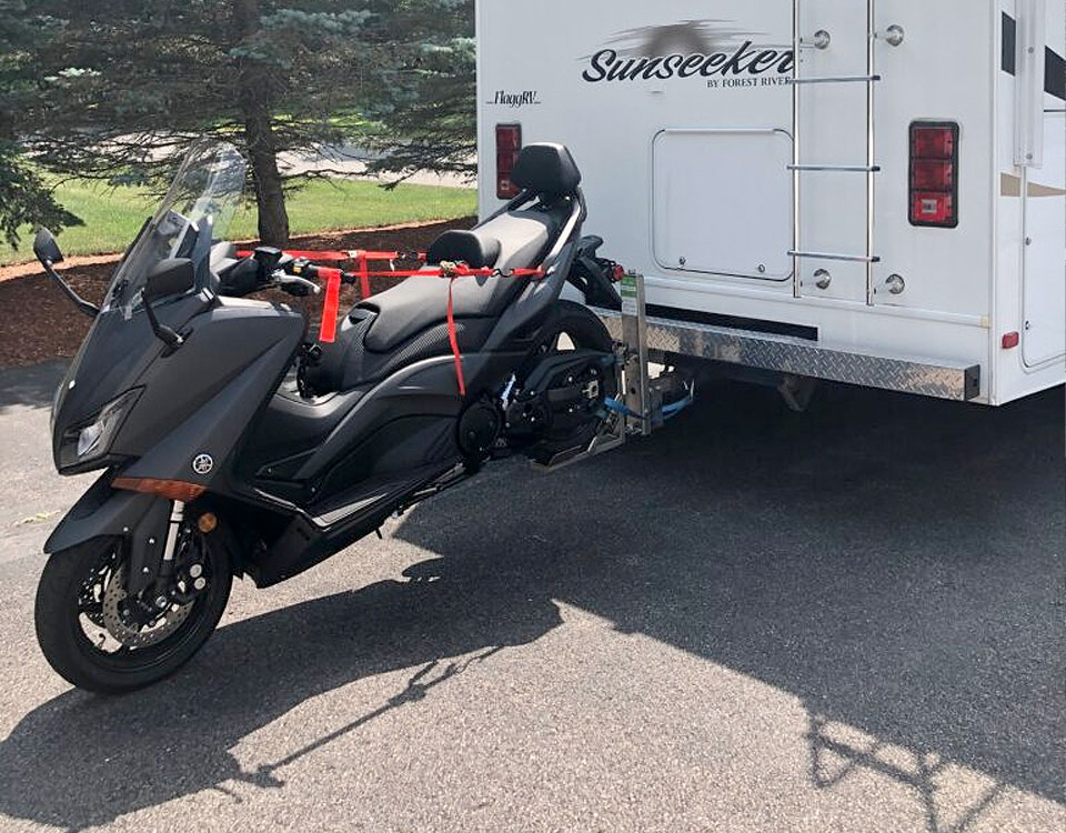 Motorcycle tow hitch